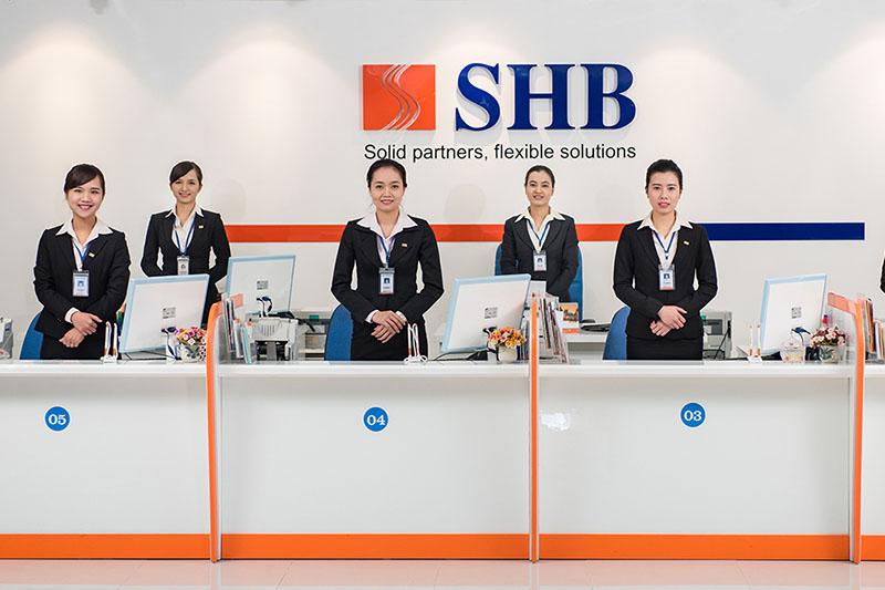 SHB cung cấp các sản phẩm dịch vụ cho khách hàng cá nhân và khách hàng doanh nghiệp